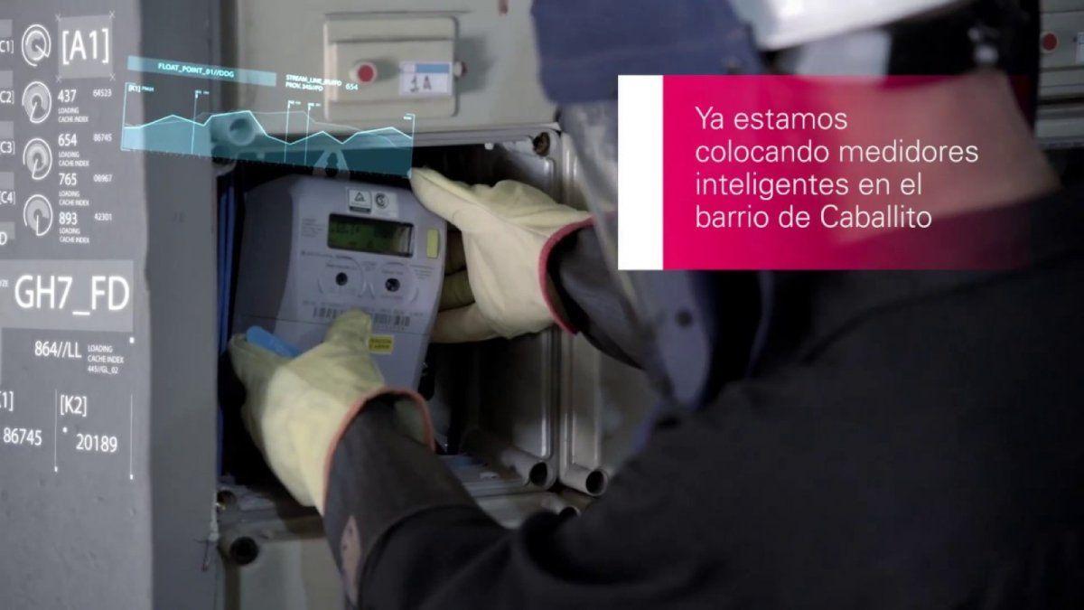 Instalan medidores inteligentes para hacer más eficiente el consumo de electricidad