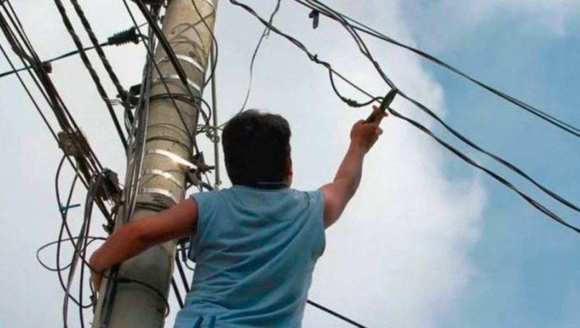 Mendoza: un joven murió electrocutado cuando hacía una conexión clandestina