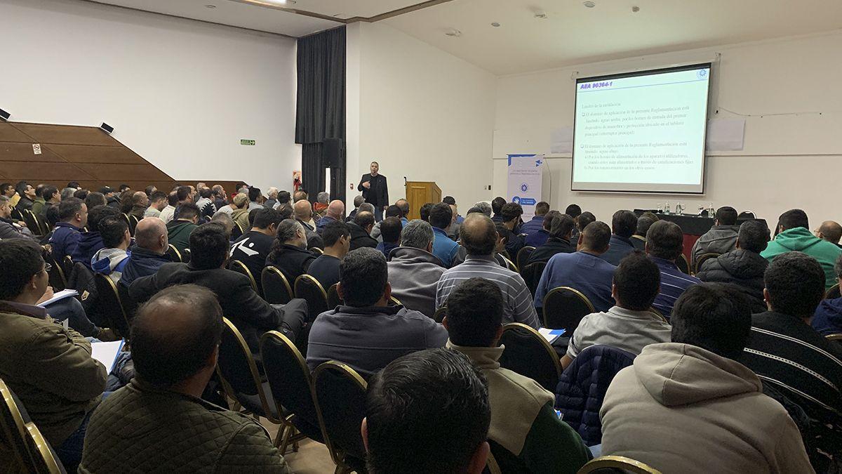 La fundación Relevando Peligros y la Asociación Electrotécnica Argentina realizaron una nueva jornada de capacitación en conjunto
