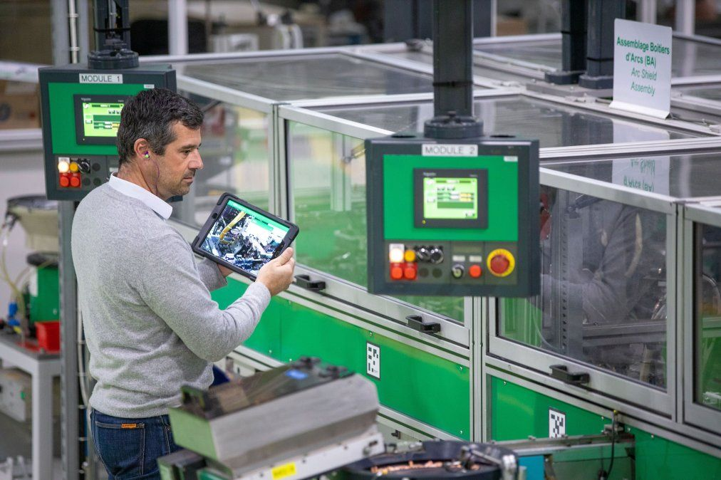 Schneider Electric lanza EcoStruxure™ Plant Performance Advisor para operaciones inteligentes