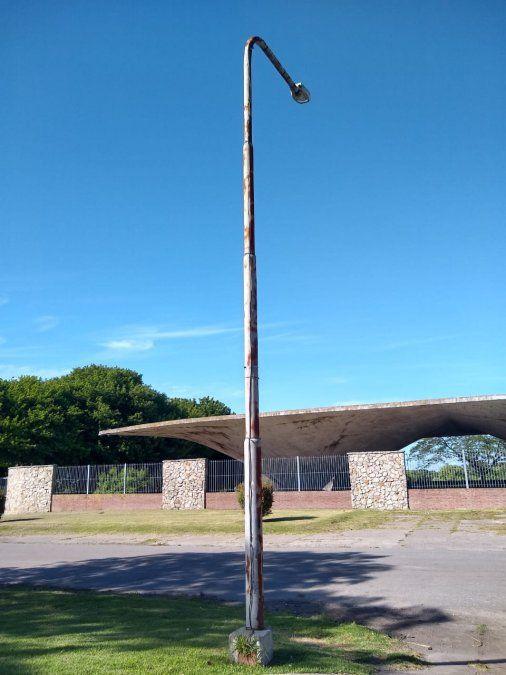 Peligro en el alumbrado público de Mar del Plata